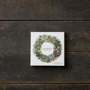 CHRISTMAS WREATHS - Square card folder